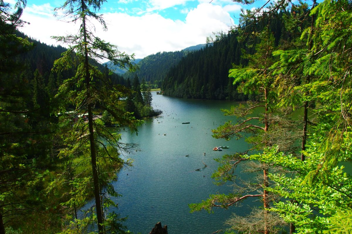 Red lake Romania tours